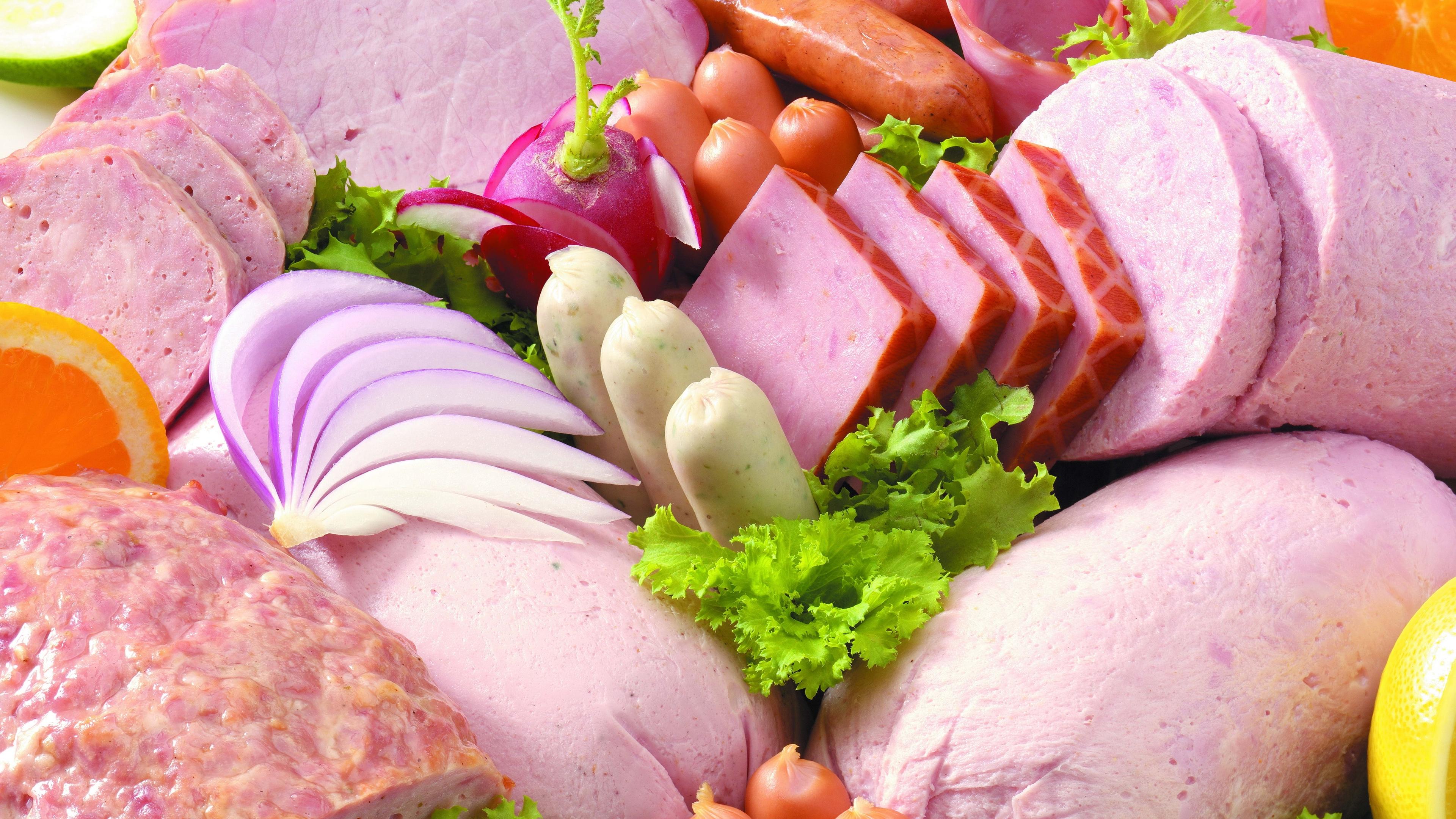 Что нельзя кушать на ночь: Колбаса