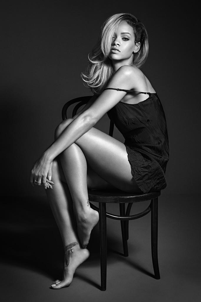 Рианна - лицо рекламной кампании своего нового аромата Rogue