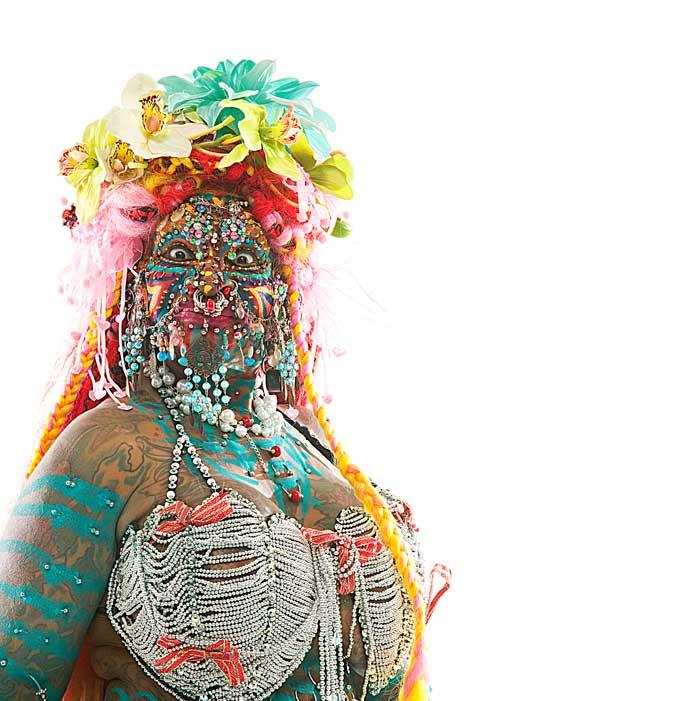 Самая пирсингованная женщина в мире Элейн Дэвидсон