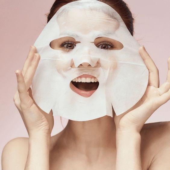 Возвращаем кожу лица в тонус: как справиться с последствиями праздников