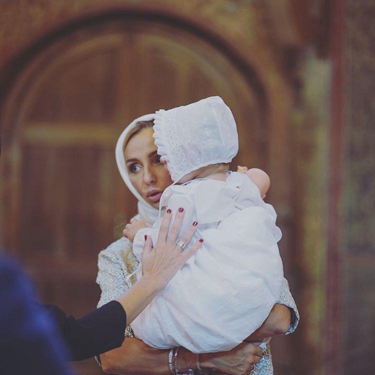 Навка крестила младшую дочь