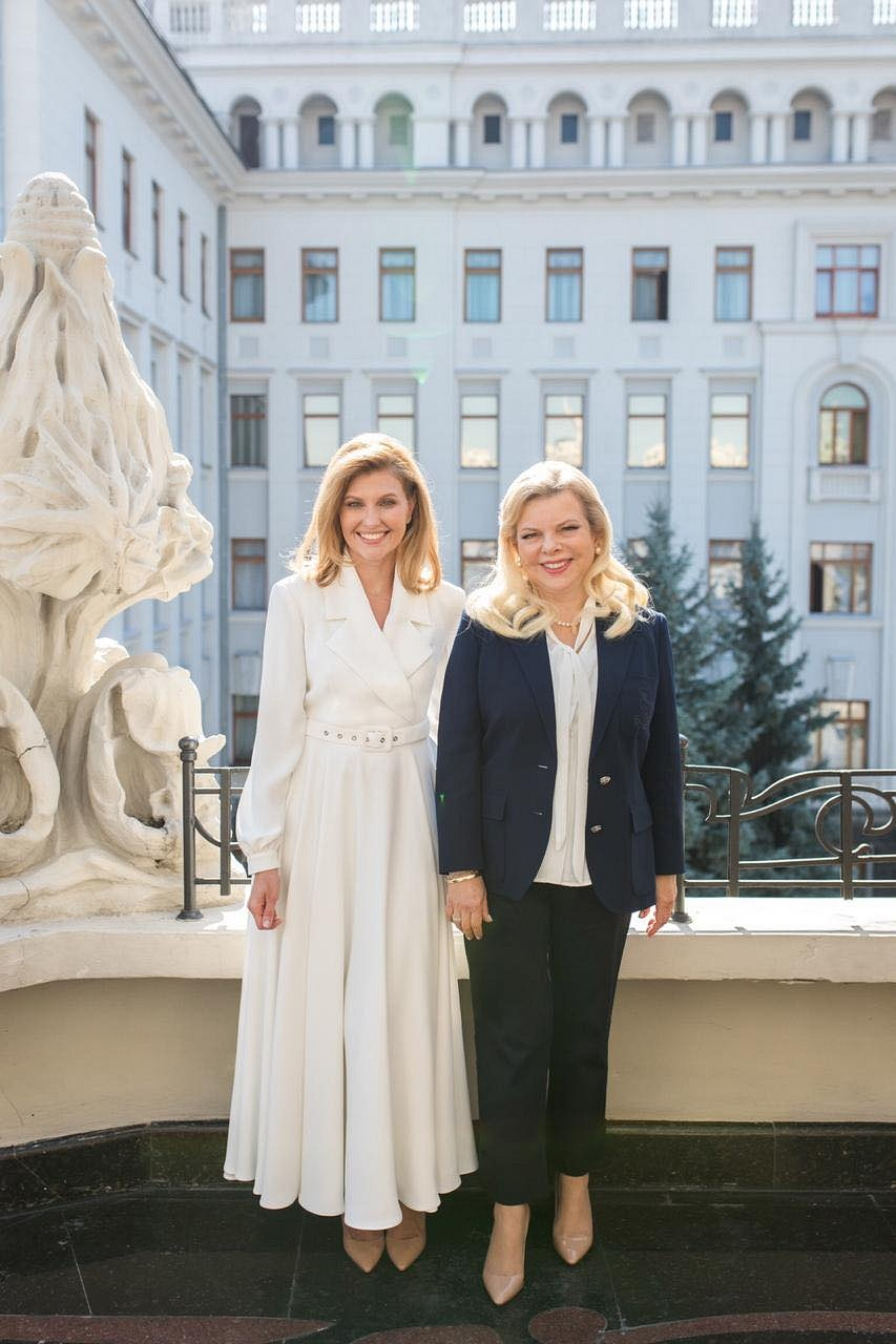 Лучшие образы Елены Зеленской 2019 года