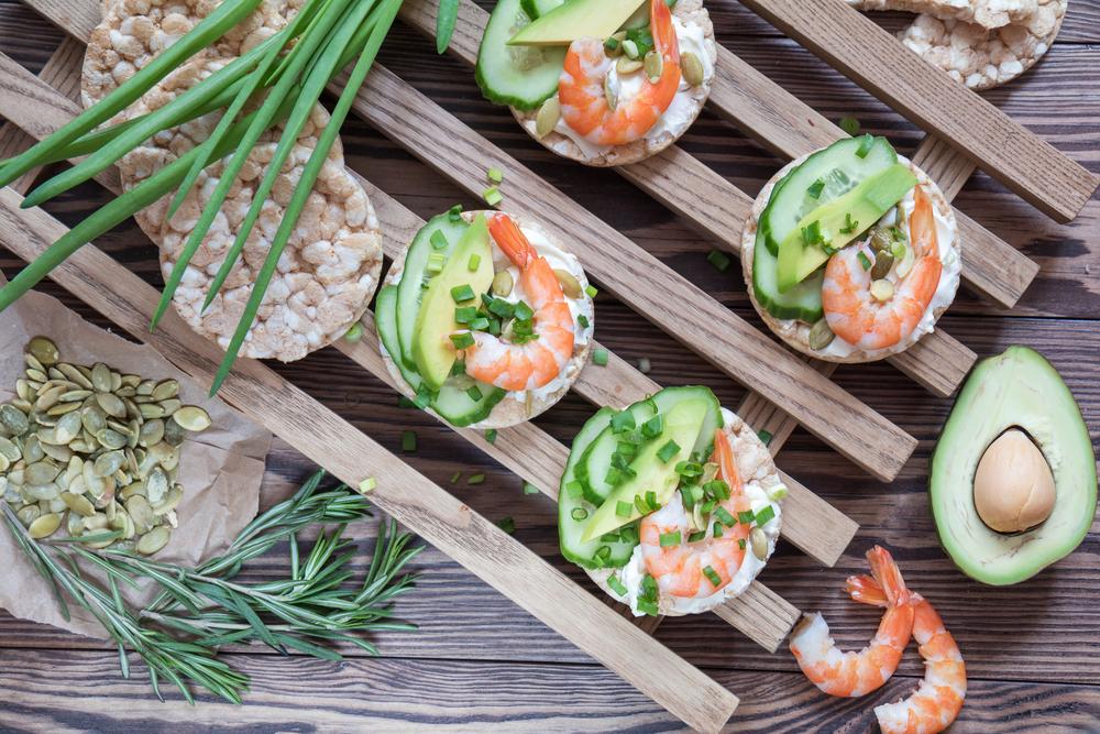 авокадо и креветки рецепты салатов