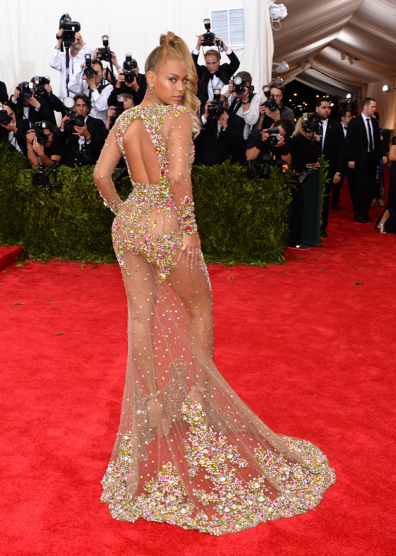 прозрачное платье вид с зади