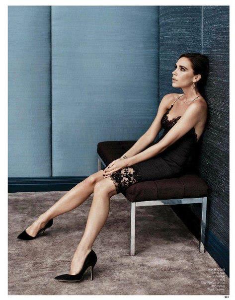 Виктория в платье Louis Vuitton