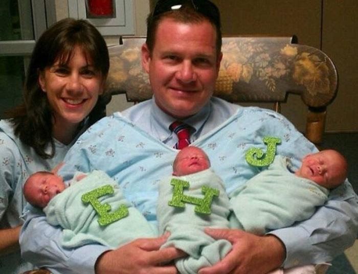 Сара и Энди вместе со своими новорожденными малышами