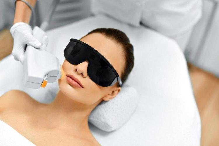 Если вы хотите омолодить кожу лица либо поддерживать ее в оптимальном состояние, то вам нужен термолифтинг