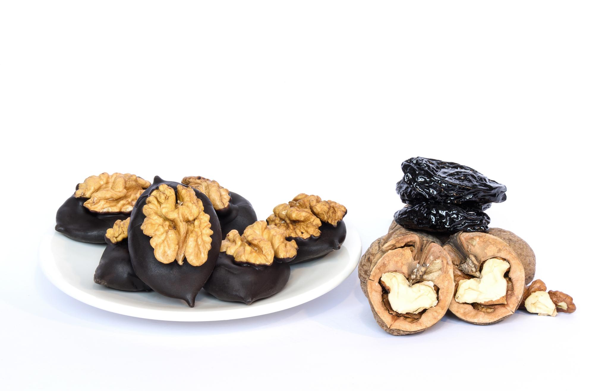Домашние конфеты: как приготовить чернослив в шоколаде