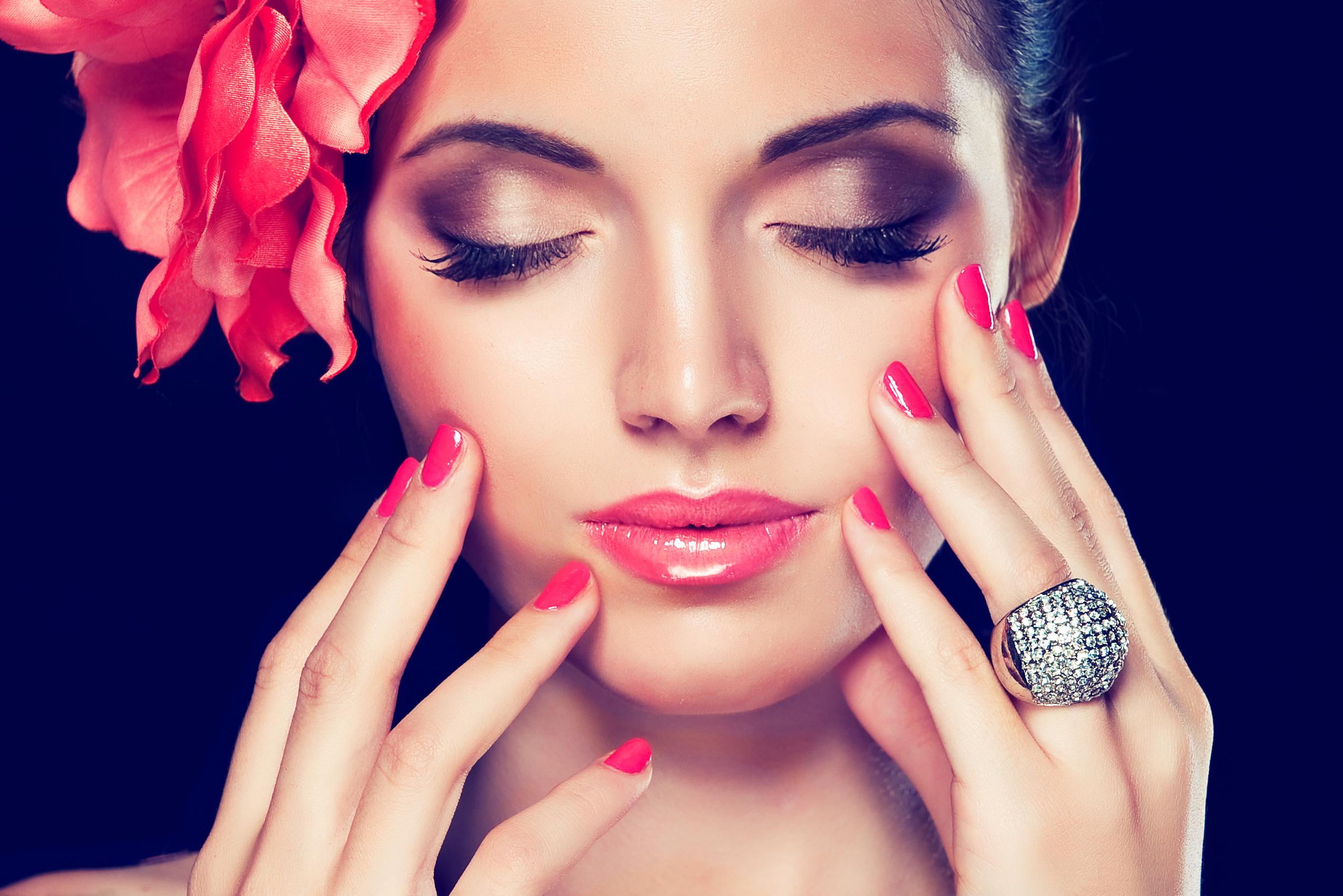 Beauty-хитрости: клей ПВА для маникюра