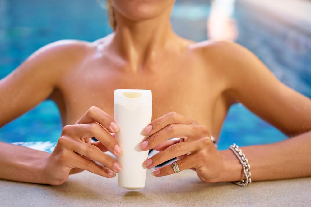 Картинки по запросу Побочные эффекты от солнцезащитного крема