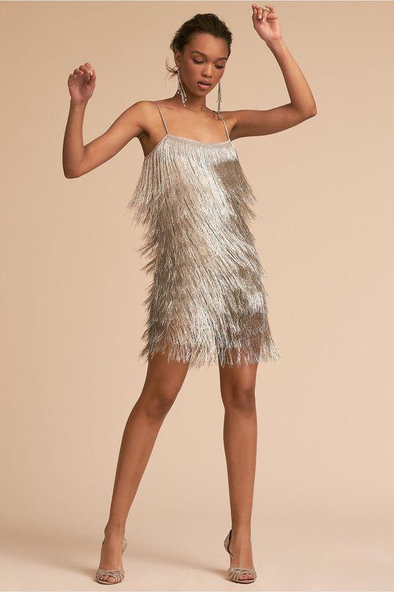 Немного провокации: 10 блестящих мини-платьев для встречи Нового года
