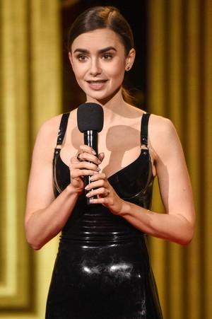 Лили Коллинз на кинопремии MTV Movie & TV Awards