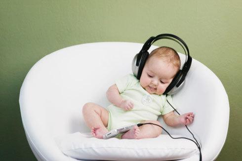 Классическая музыка улучшает память, развивает мозговую деятельность, улучшает психологическое и эмоциональное состояние