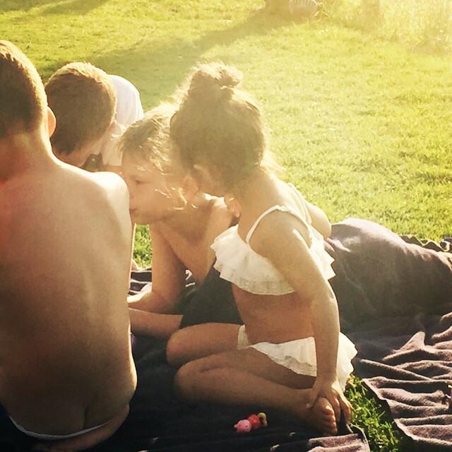 Дочь Ани Лорак во время отдыха с друзьями