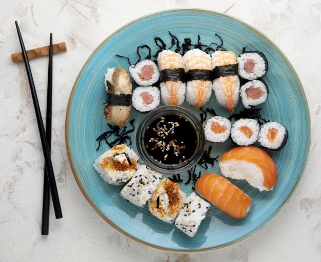 Для любителей японской кухни: Сколько и как часто можно есть суши