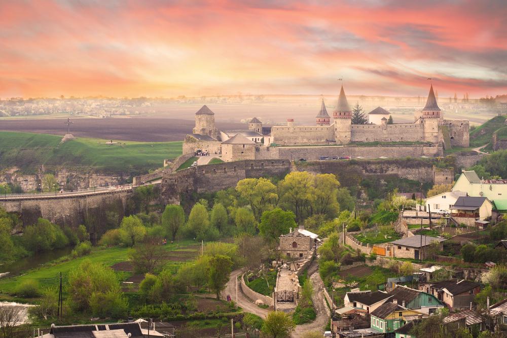 Куда поехать на майские праздники в Украине: лучшие направления