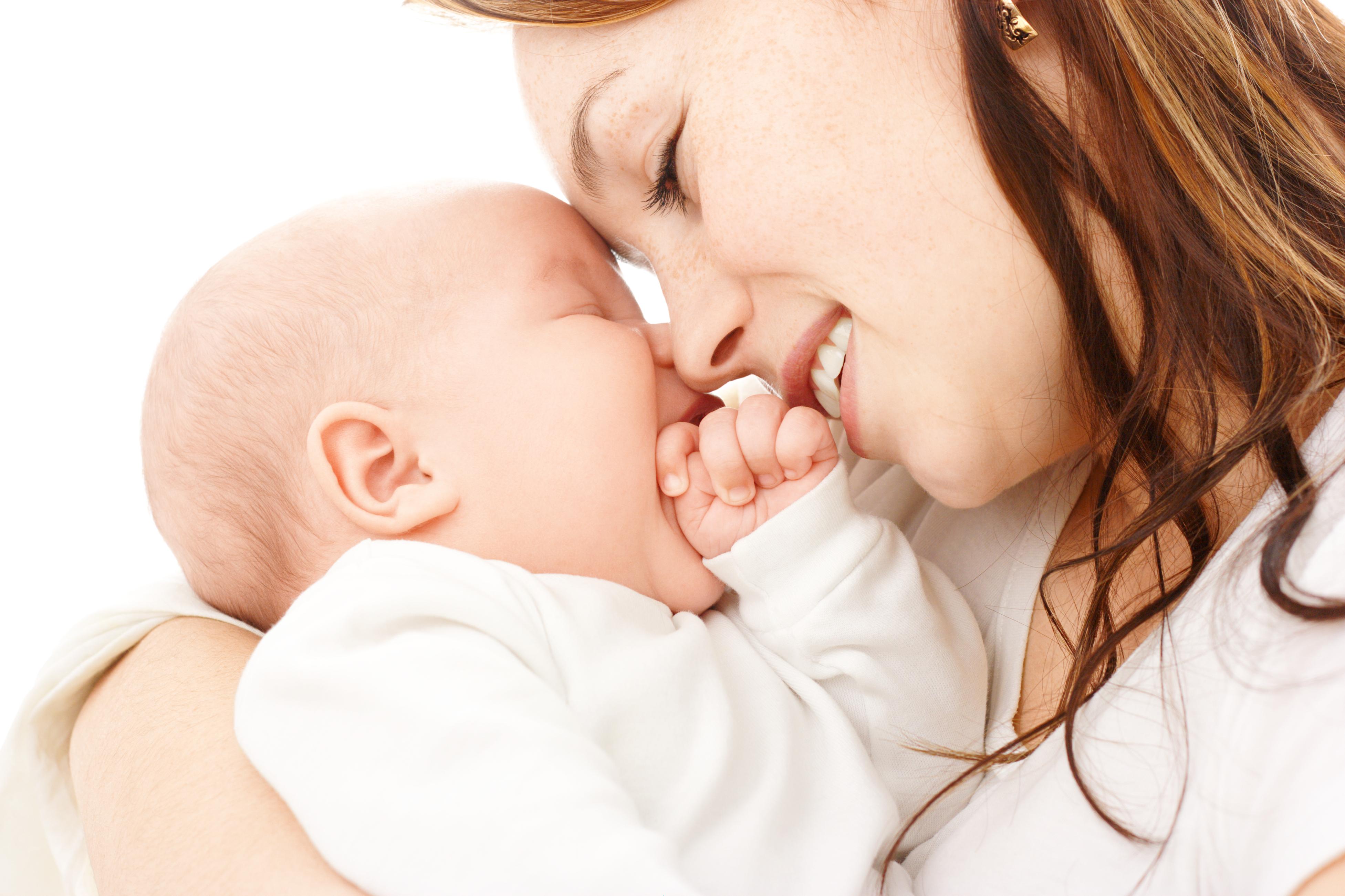 Почему младенец срыгивает
