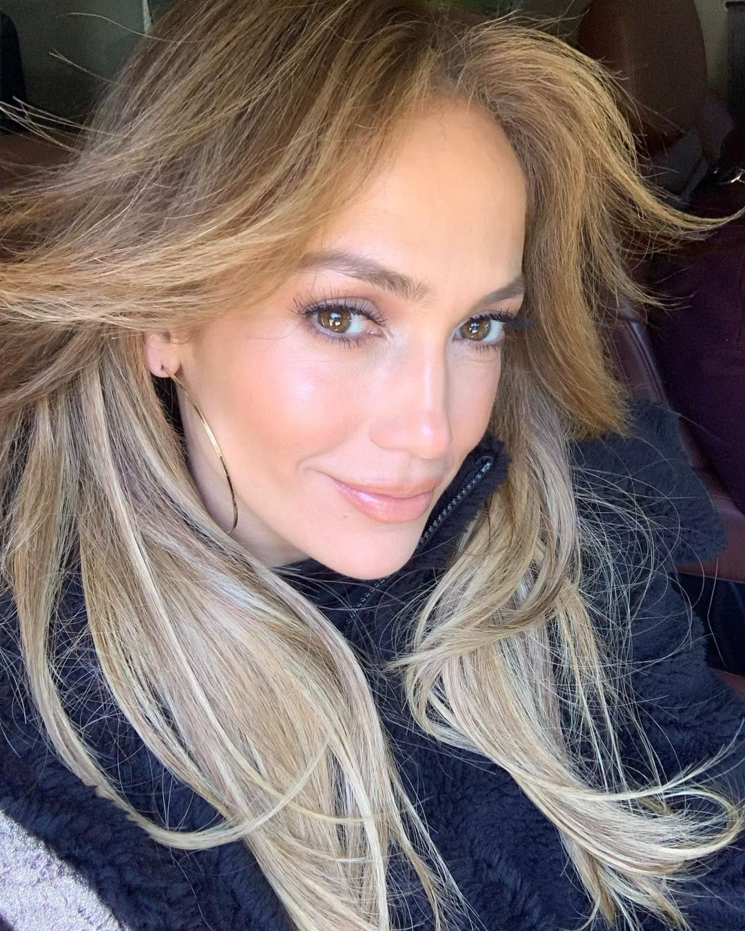 51-летняя Дженнифер Лопес повторила образ 20-летней давности