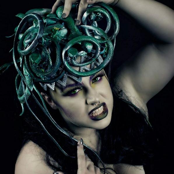 В образе для Хэллоуина макияж играет не последнюю роль