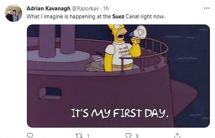 Лучшие мемы о судне, застрявшем в Суэцком канале