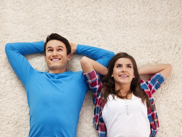 Стало известно, как знакомство в интернете влияет на отношения
