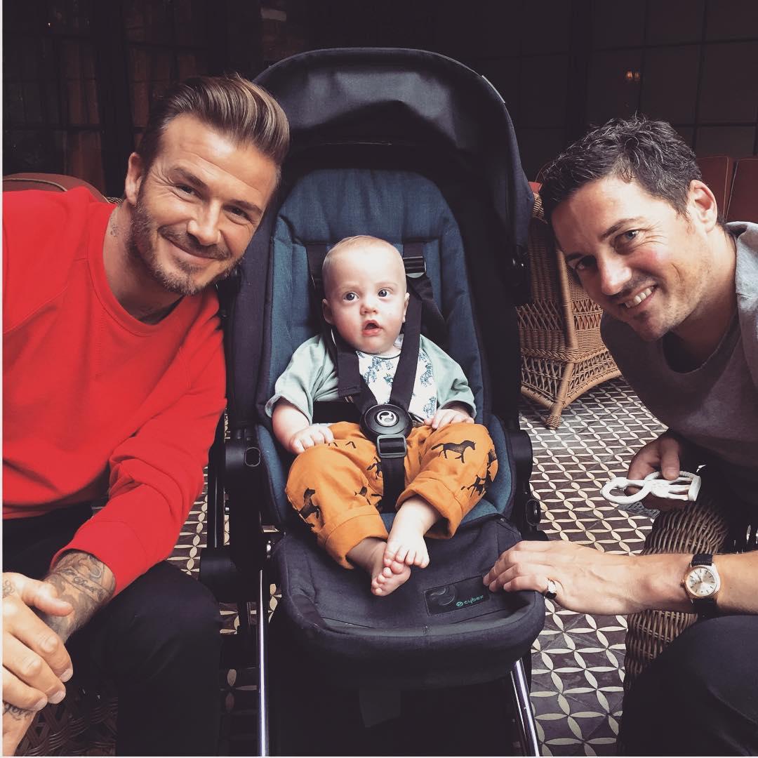 Семимесячный сын Лив Тайлер с отцом Дейвом Гарднером и крестным отцом Дэвидом Бекхэмом