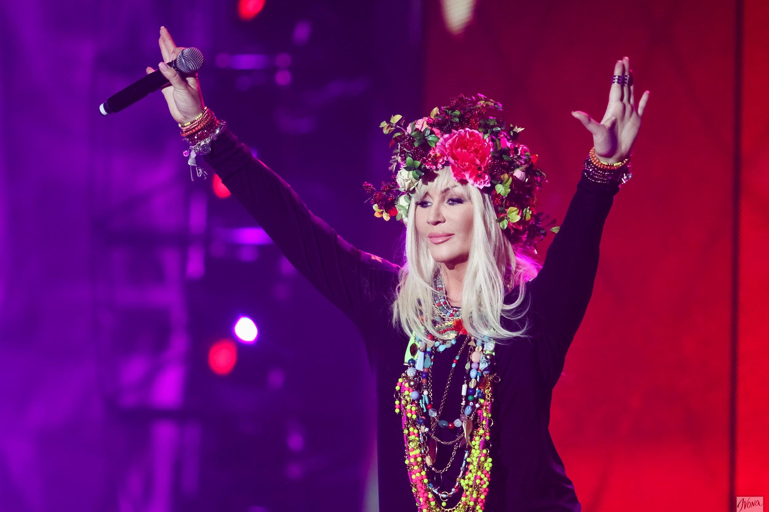 Украинская певица Ирина Билык поздравила Динамо с чемпионством