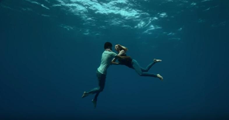 Бейонсе сняла необычный клип под водой