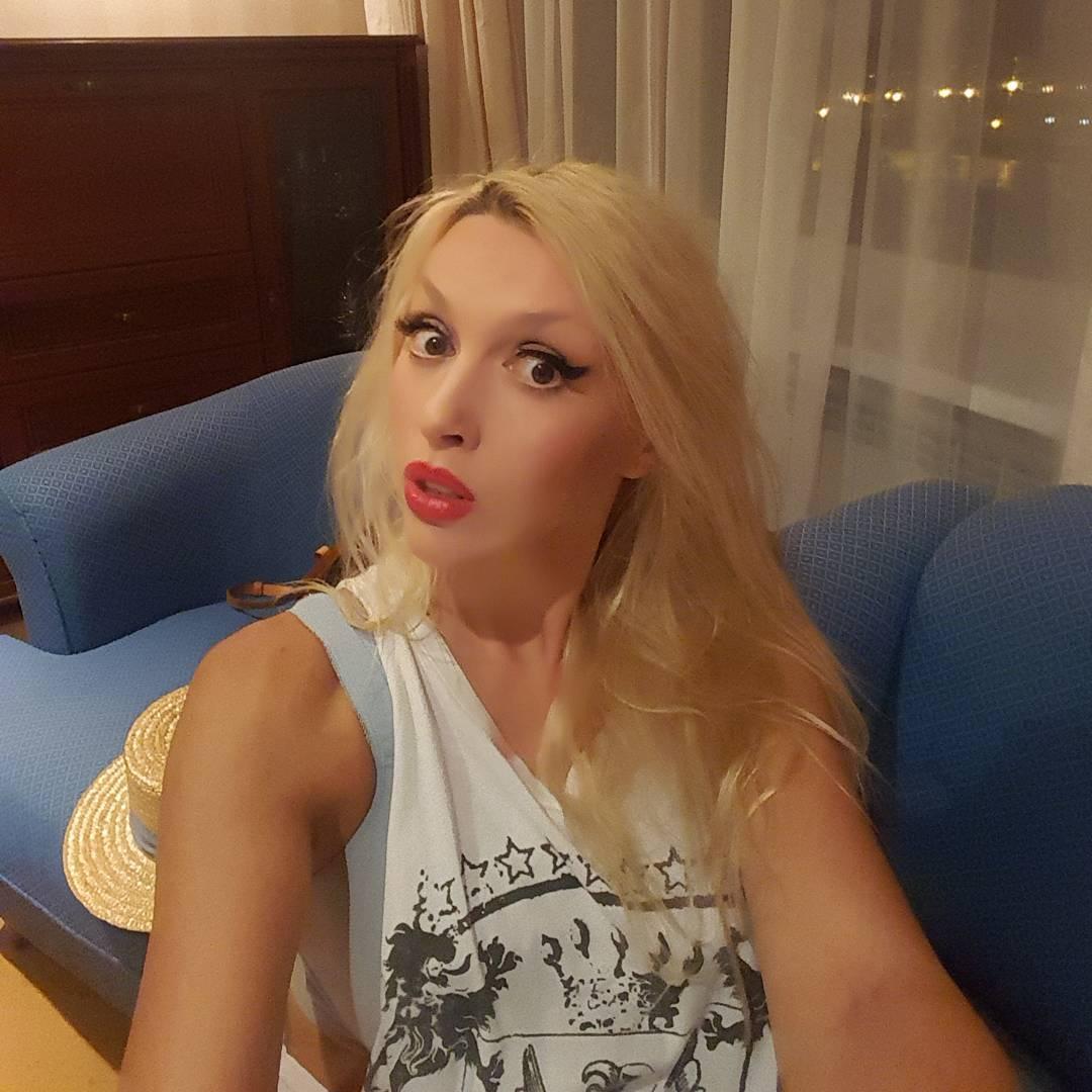 Ольга дает в попу