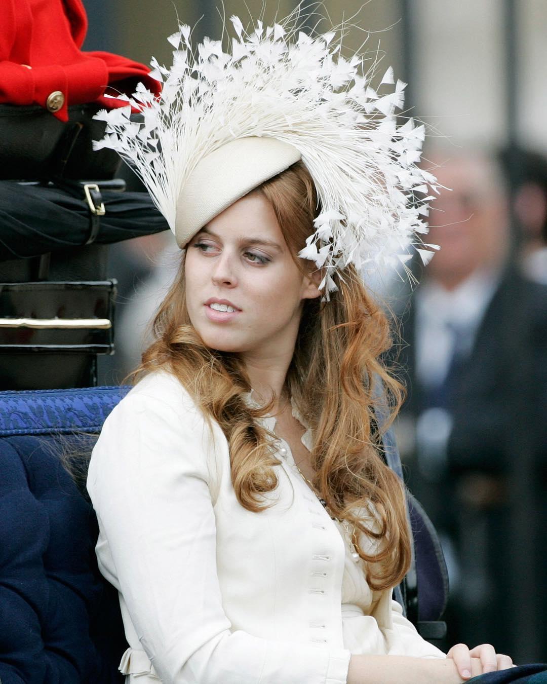 Принцесса Йоркская Беатрис тайно обвенчалась - СМИ