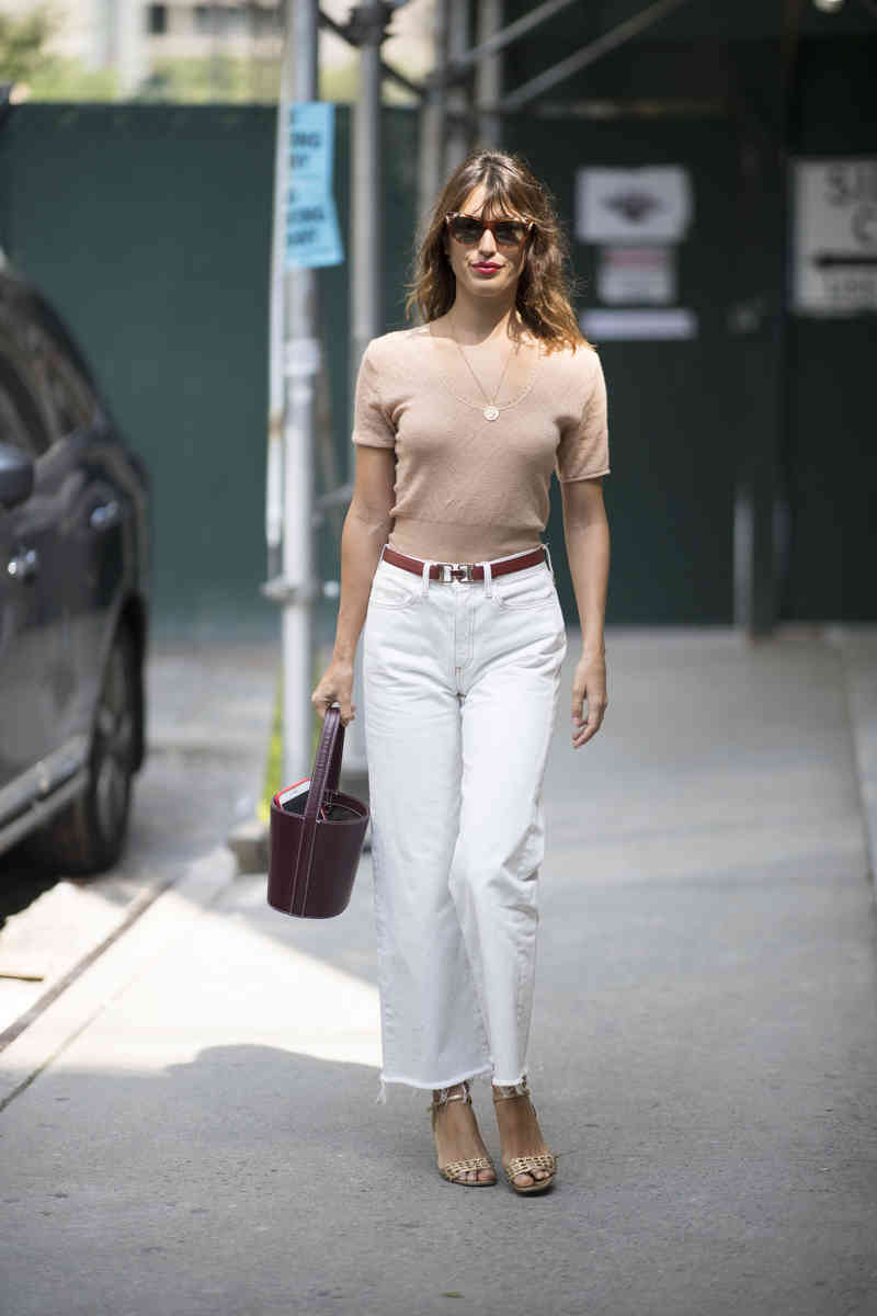 С чем носить белые джинсы весной 2020