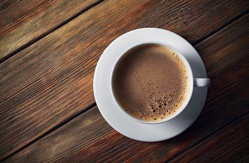 Утро начинается с кофе: плюсы и минусы бодрящего напитка