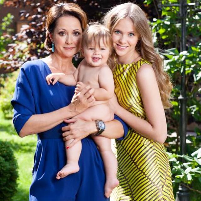 Ольга Кабо с дочкой Татьяной и сыном Виктором