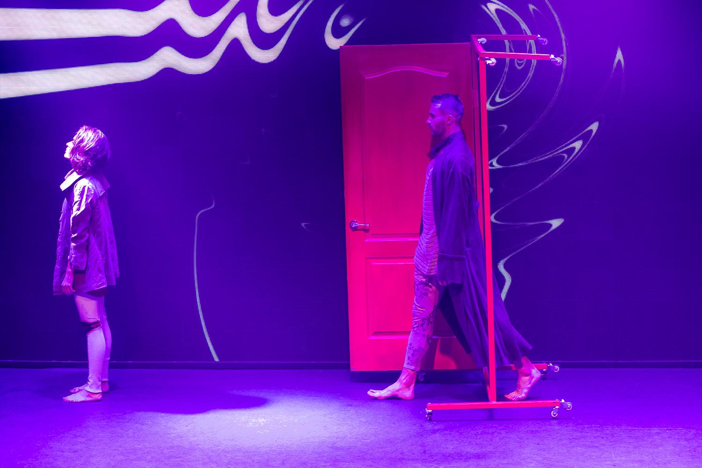 D'Arts Dance Project показали, что находится за дверью  - фото