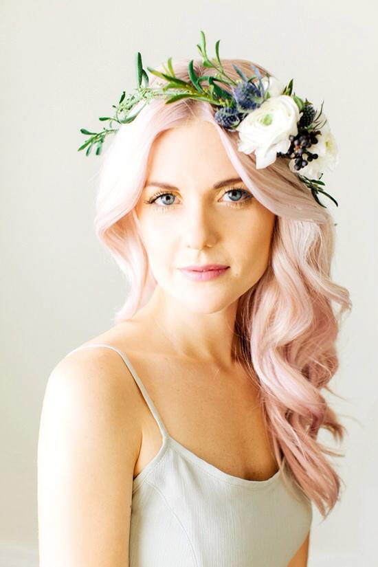 Цветочные венки – олицетворение нежности, красоты и женственности