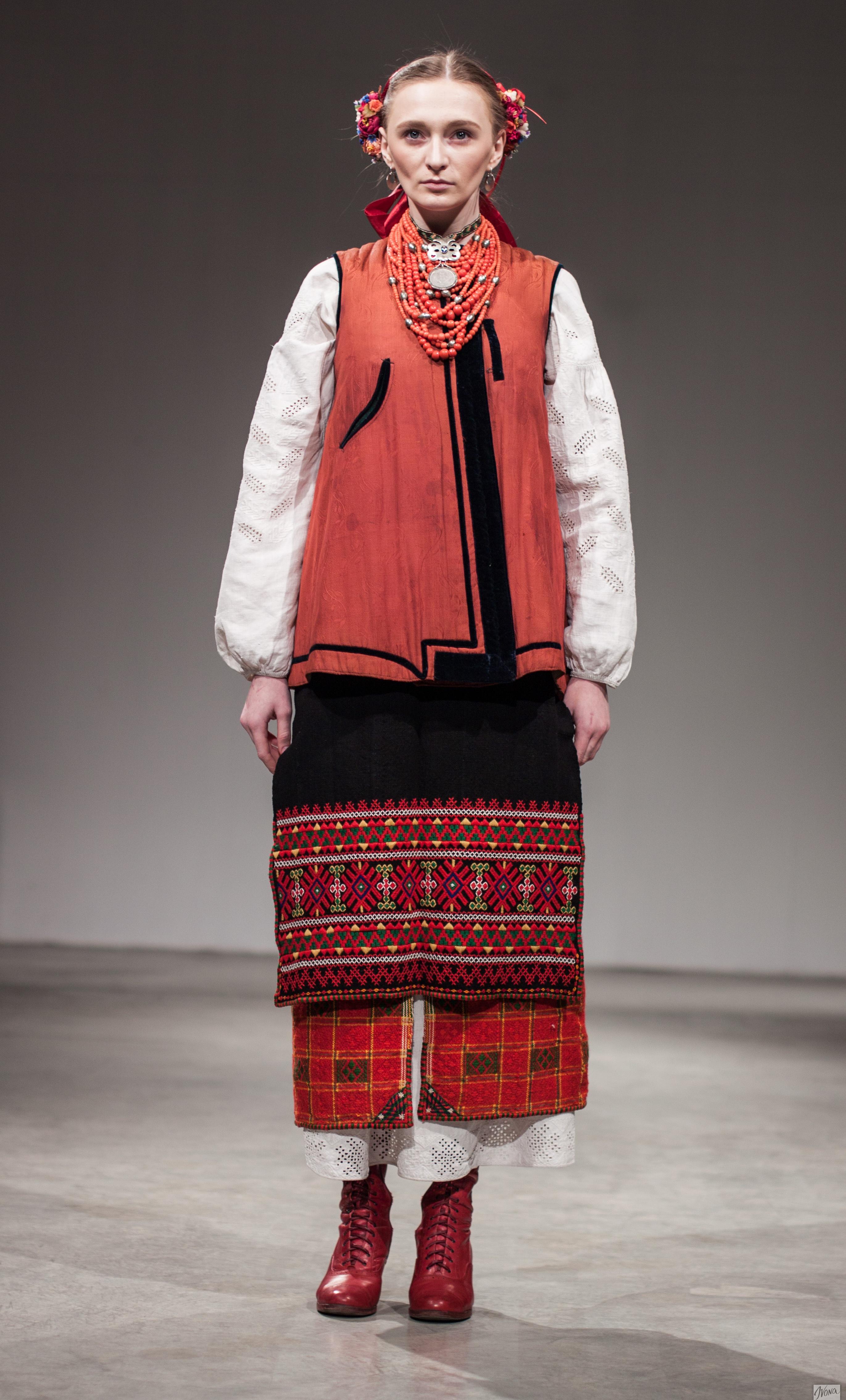 Одна из самых ярких участниц проекта в украинском народном костюме