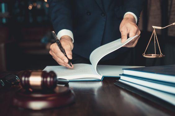 ТОП-6 востребованных профессий Украины-юрист