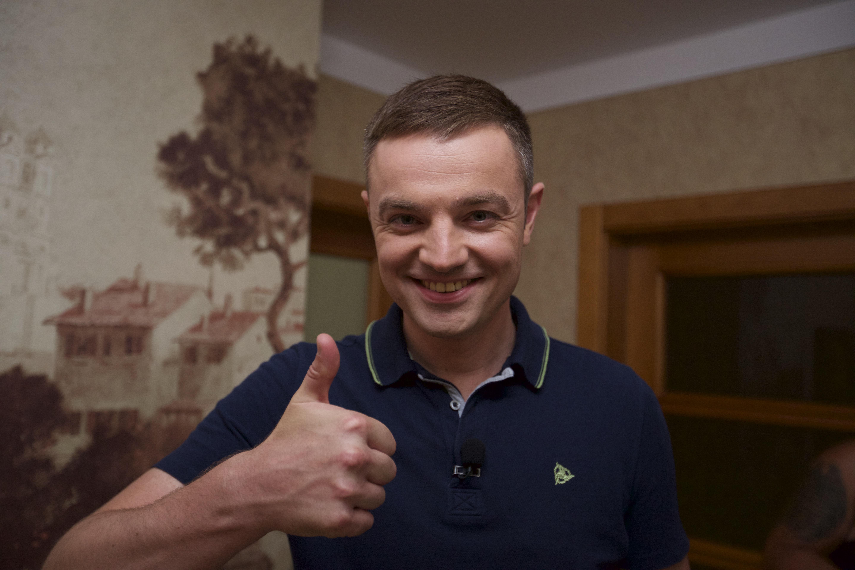 Ведущий Роман Кадемин
