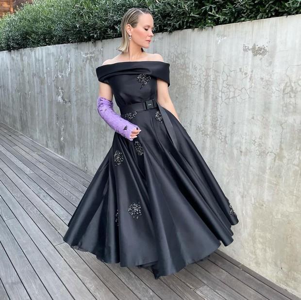 Сара Полсон в Prada