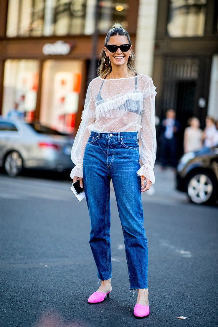 Как носить белье поверх одежды - основные правила