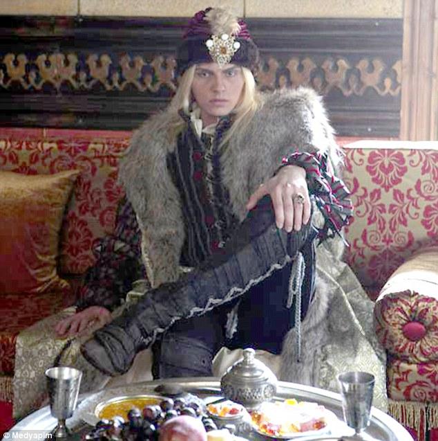 Андрей Пежич в роли брата графа Дракулы