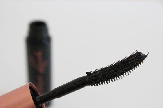 Бьюти-лайфхак: как подобрать тушь по типу ресниц