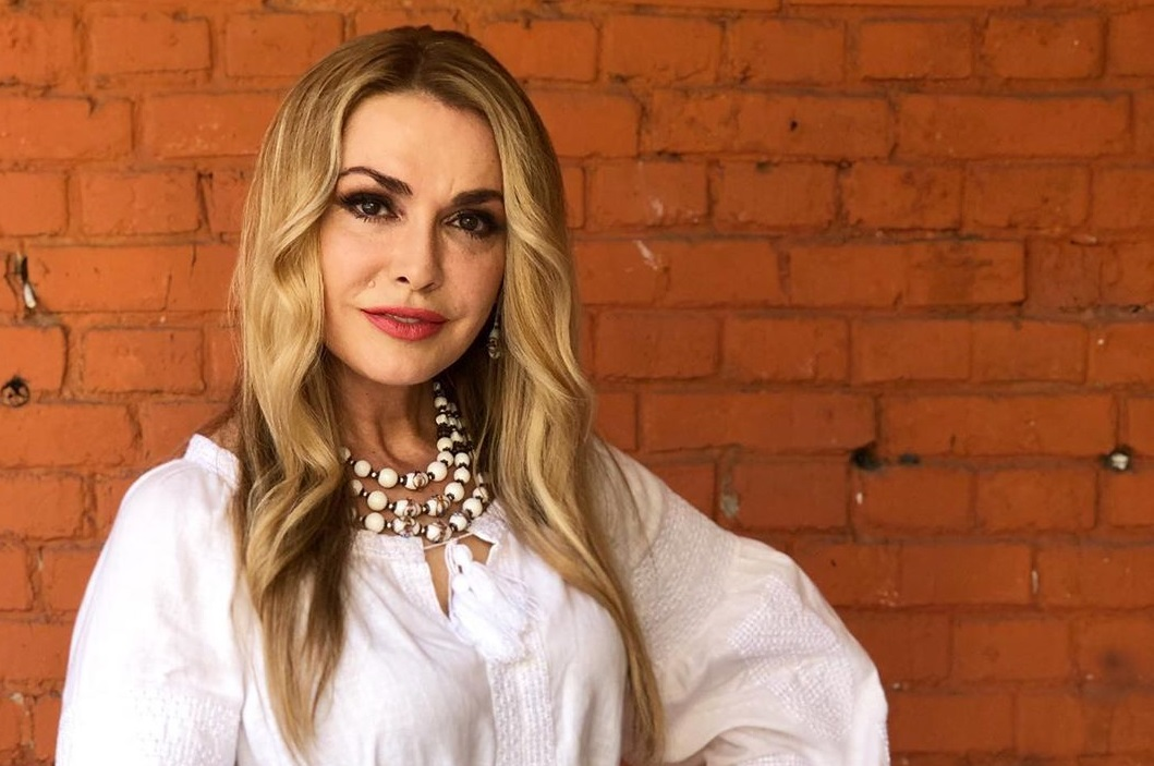 Ольга Сумская показала фото  с выпускного дочки