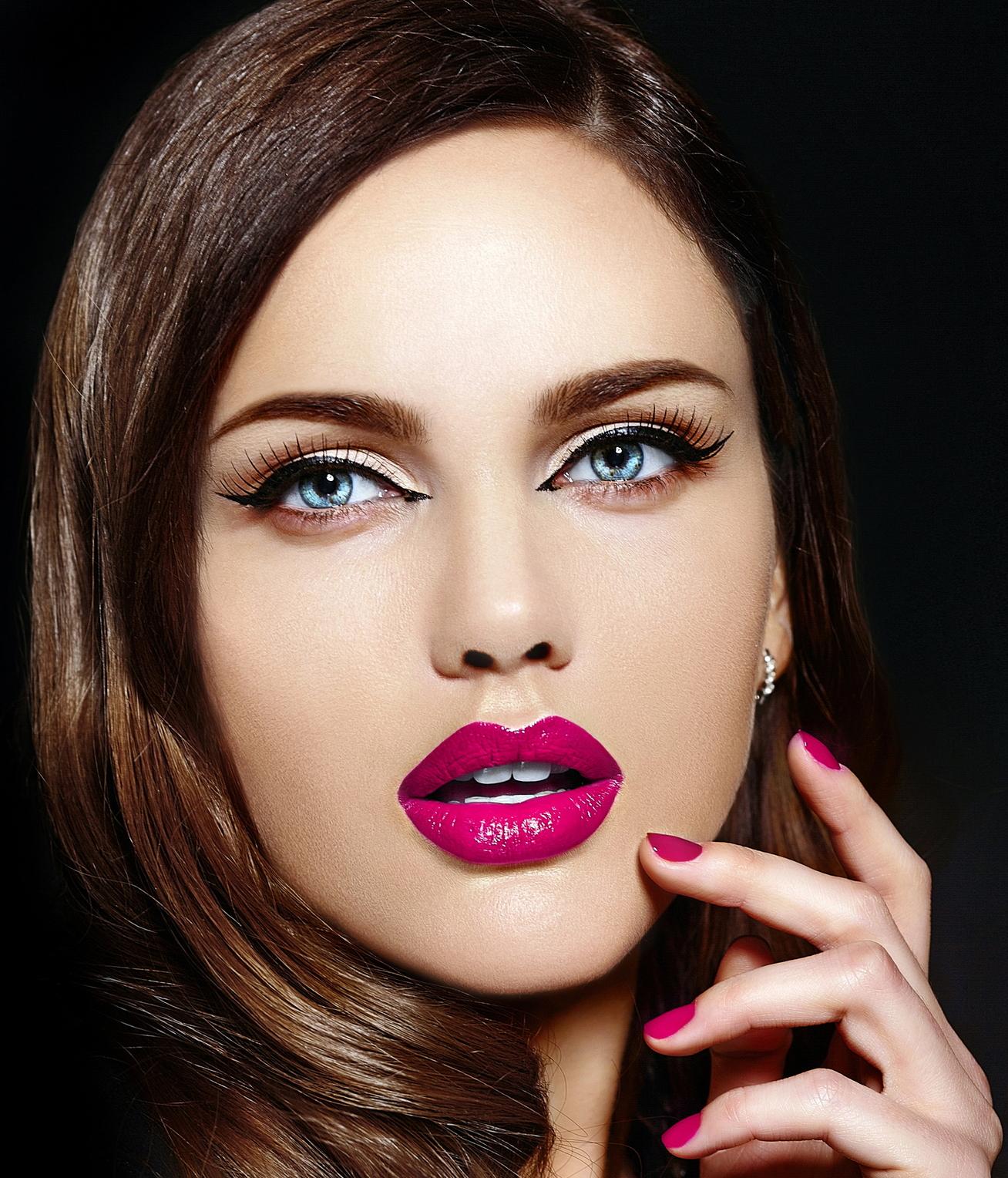 Не бойся пробовать в макияже что-то новое