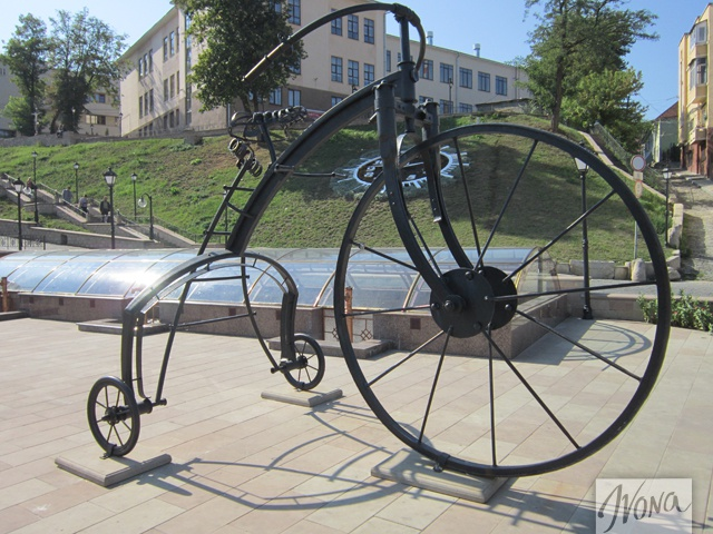Велосипед на Турецкой площади