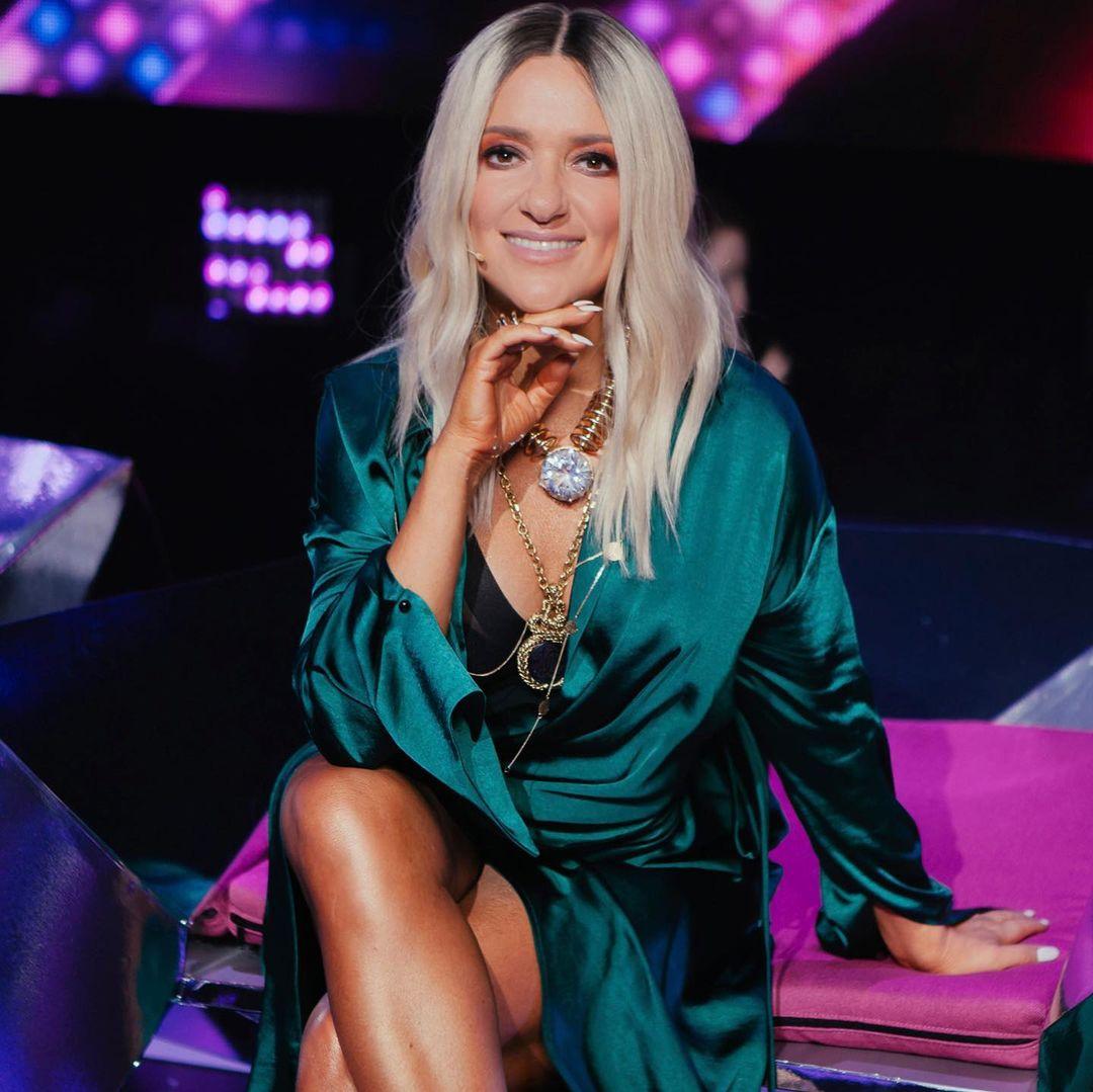 Наталья Могилевская восхитила фото в мини-платье