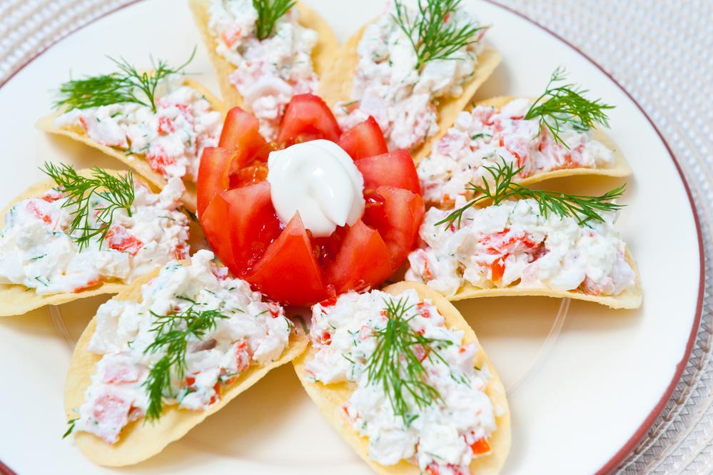 Салат из крабовых палочек и сыром рецепт очень вкусный 2