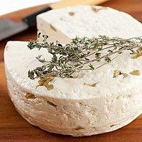 Сыр с пряными травами своими руками