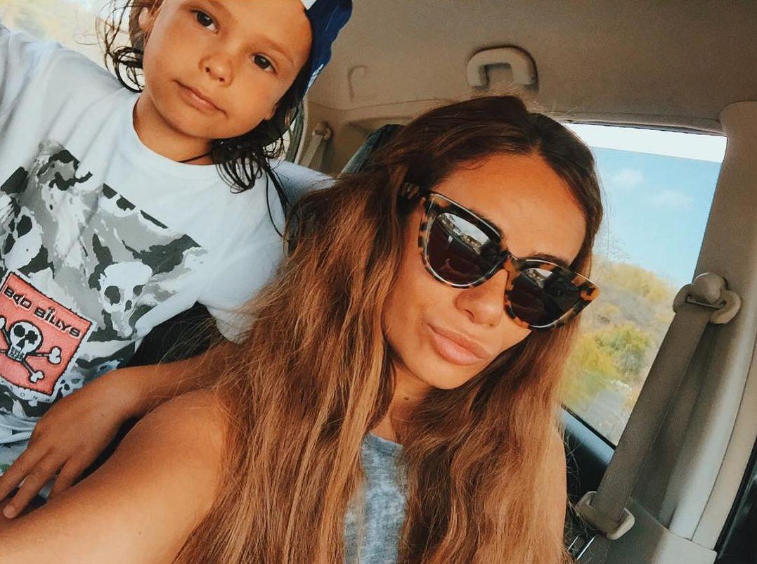 Экс-жена рэпера Гуфа Айза Долматова с их сыном Сэми