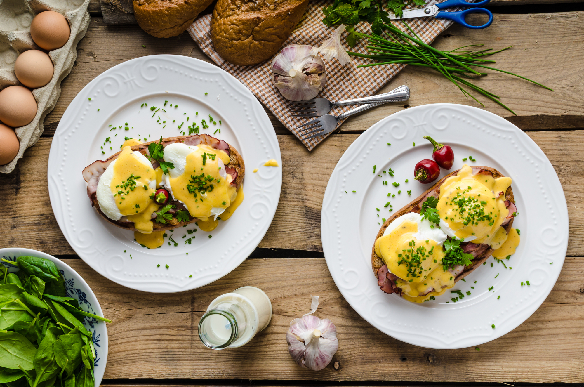 Яйца Бенедикт на завтрак: пошаговый рецепт